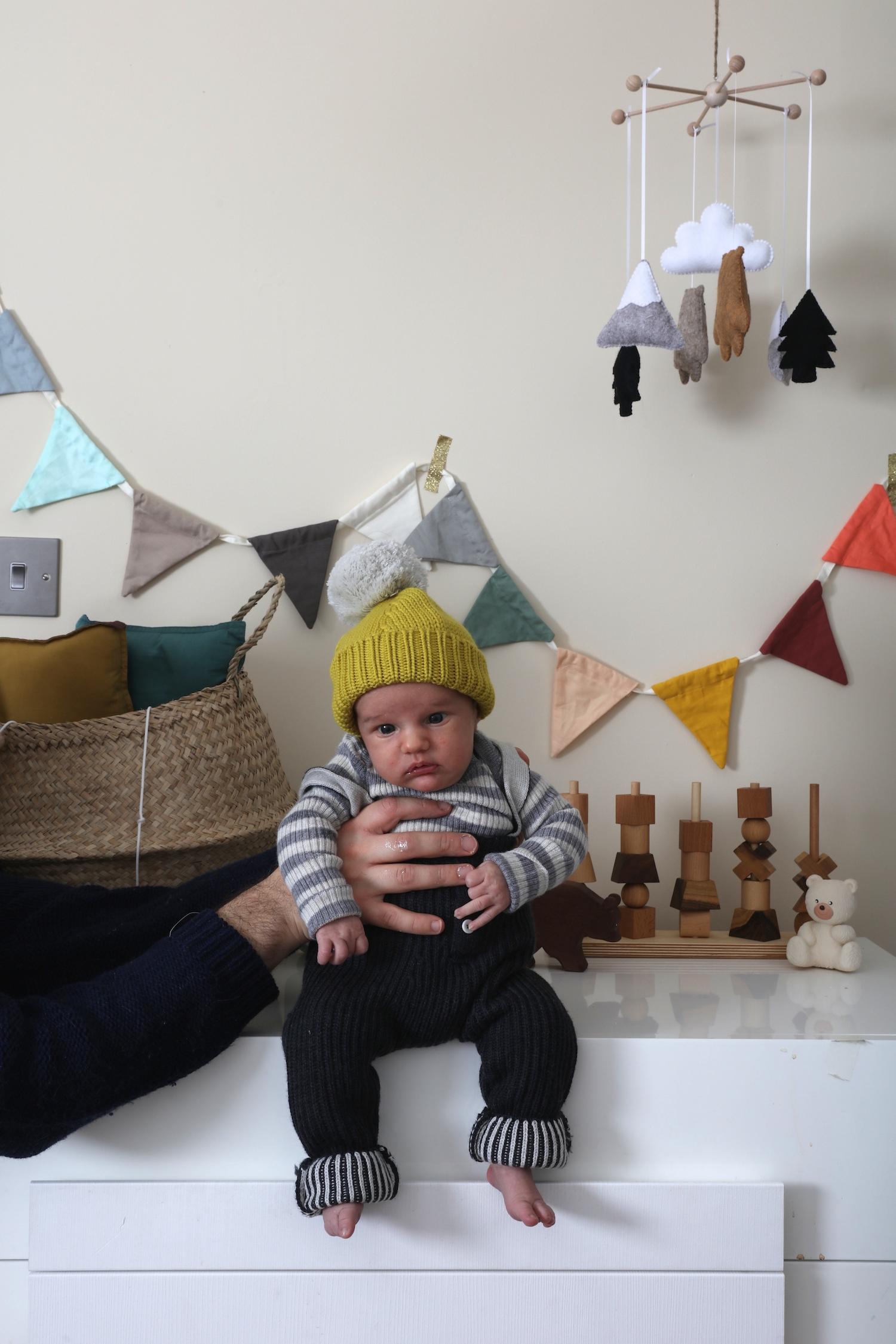 Mabli_knits_dungarees_hat
