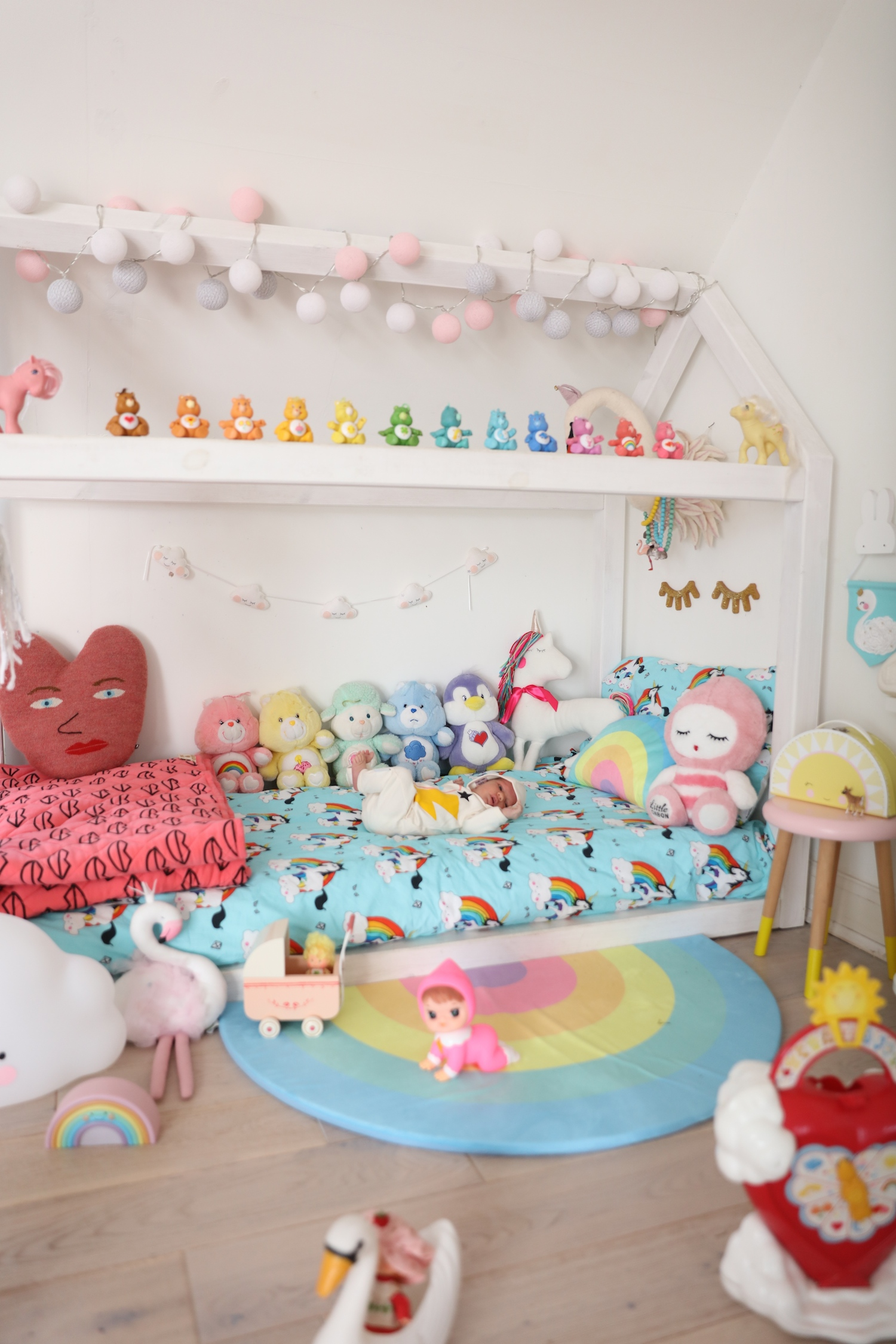 hugo_loves_tiki_uilt_girls_bedroom_rainbows_care_bears