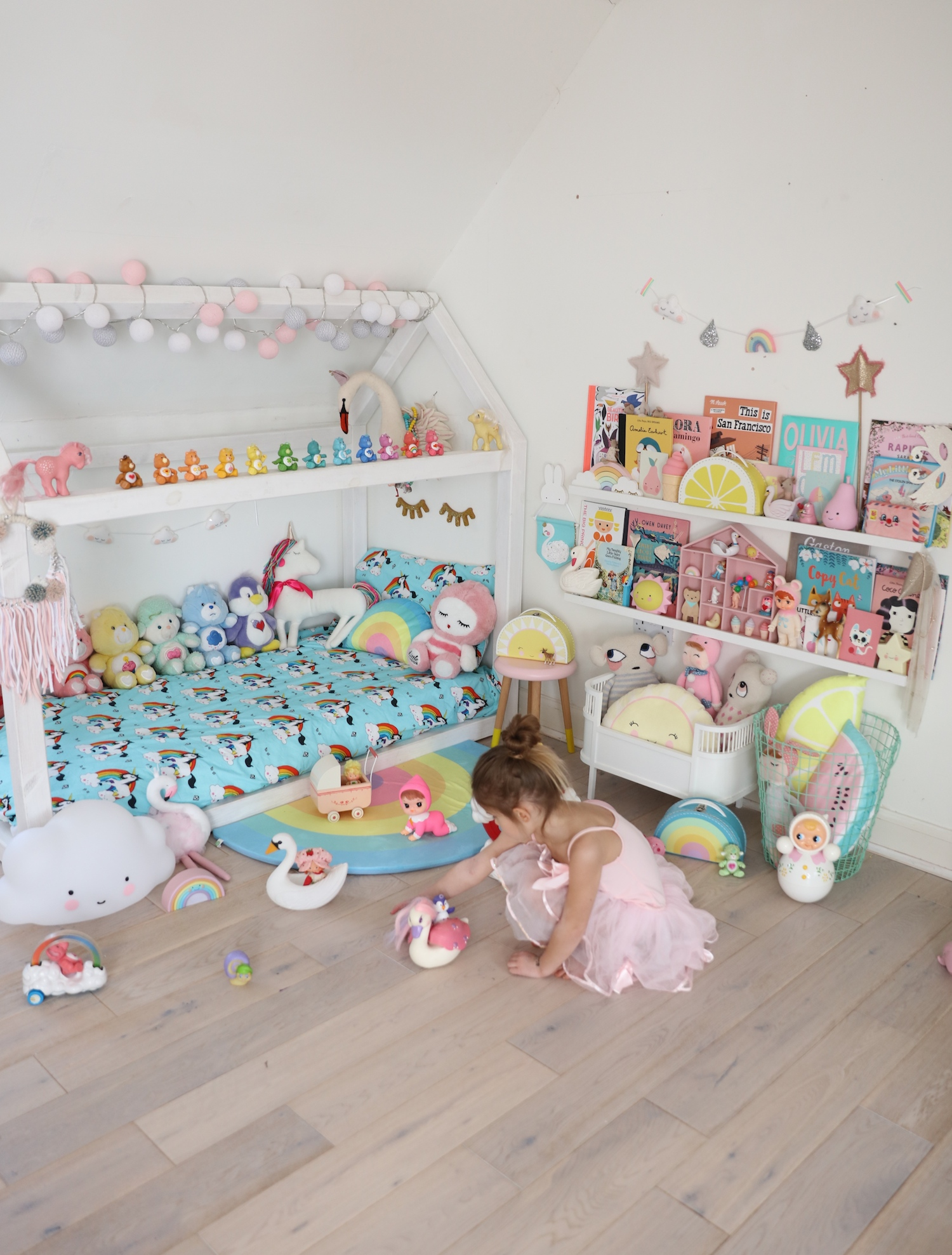 vintage_toys_care_bears_girls_bedroom