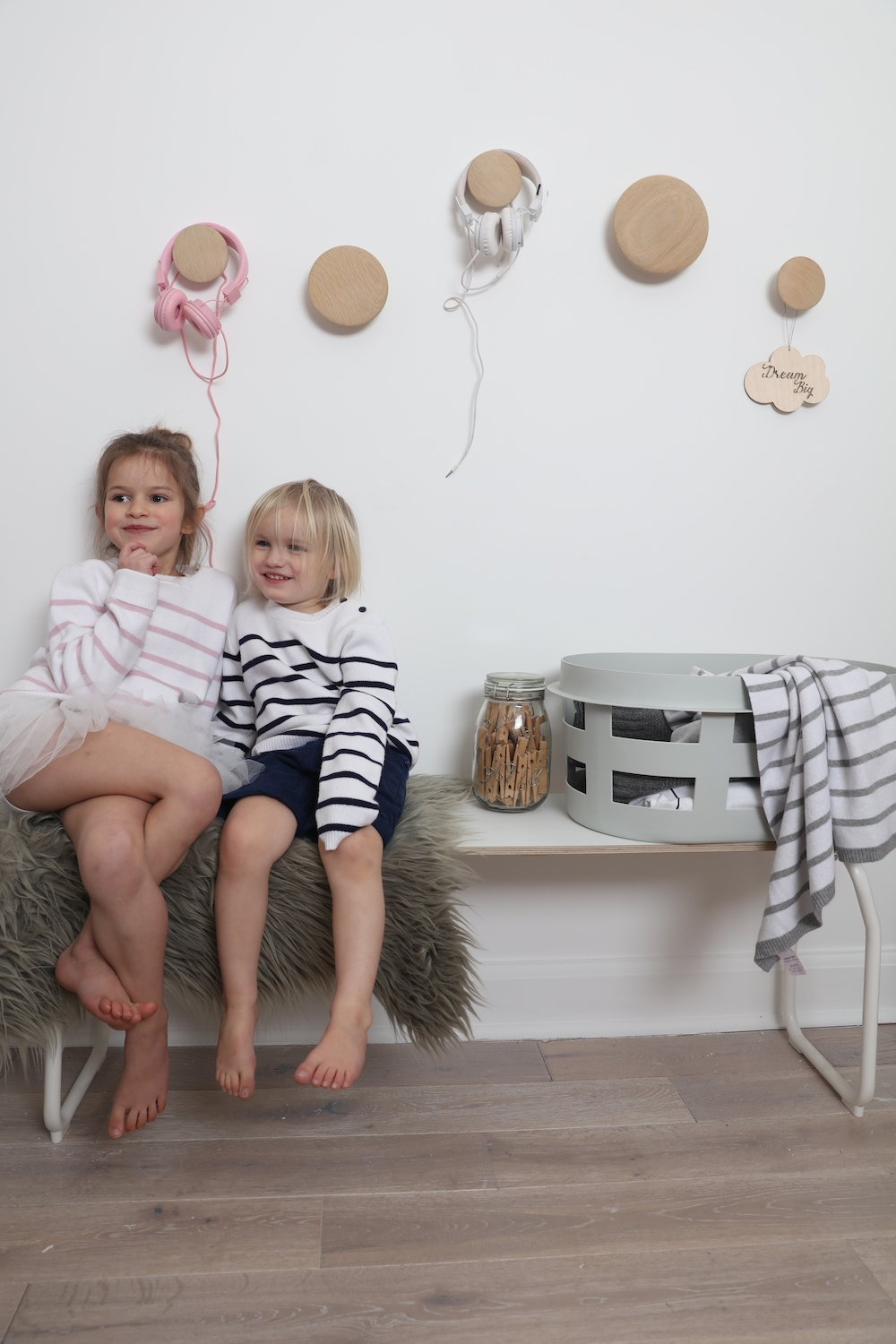 Atelier_child_jumpers_stripes_muuto_dots