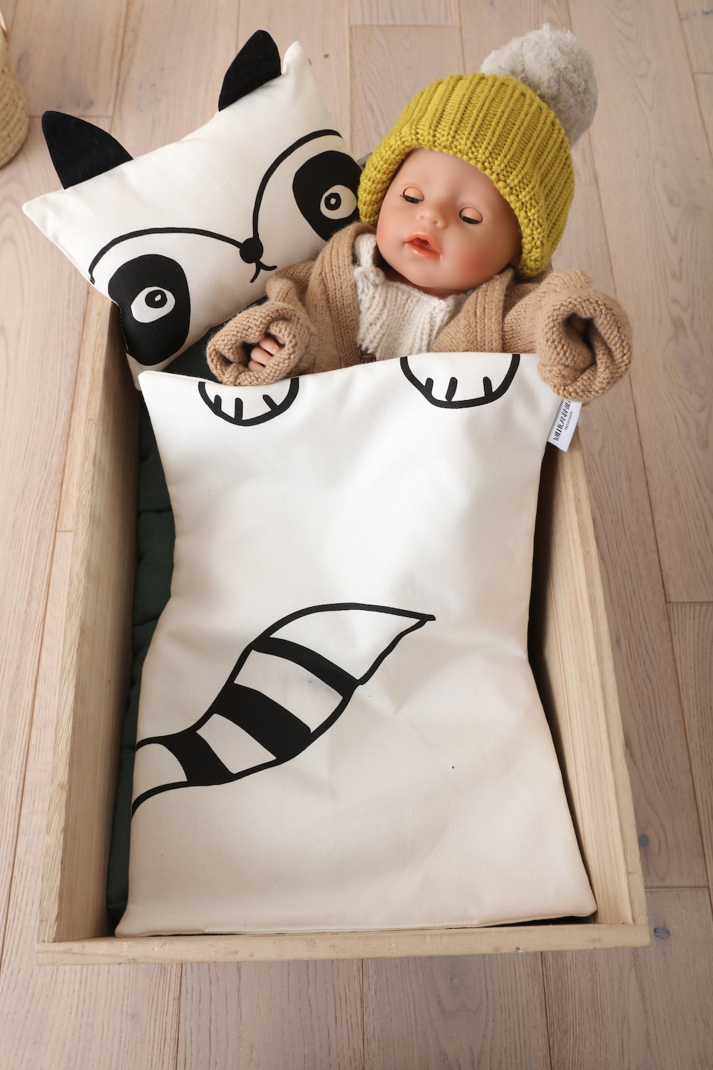 Willie_millie_bedding_doll_bed_raccoon