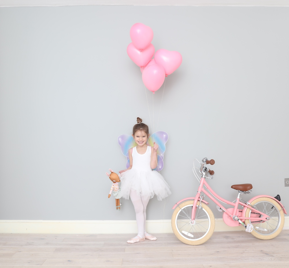 bobbin_bike_pink_little_lulubel_heart_balloon