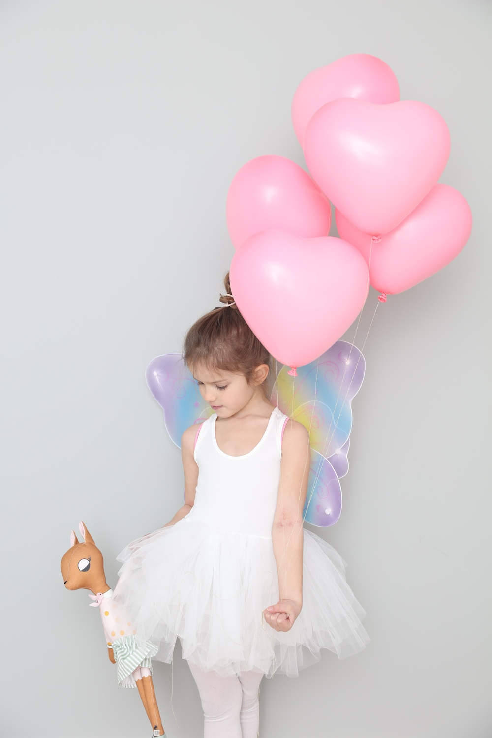 girl_ballerina_plum_nyc_tutu_little_lulubel)balloons_heart_pink