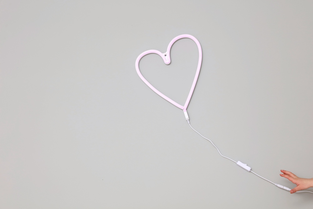 mini_maison_heart_light_neon_a_little_lovely_company