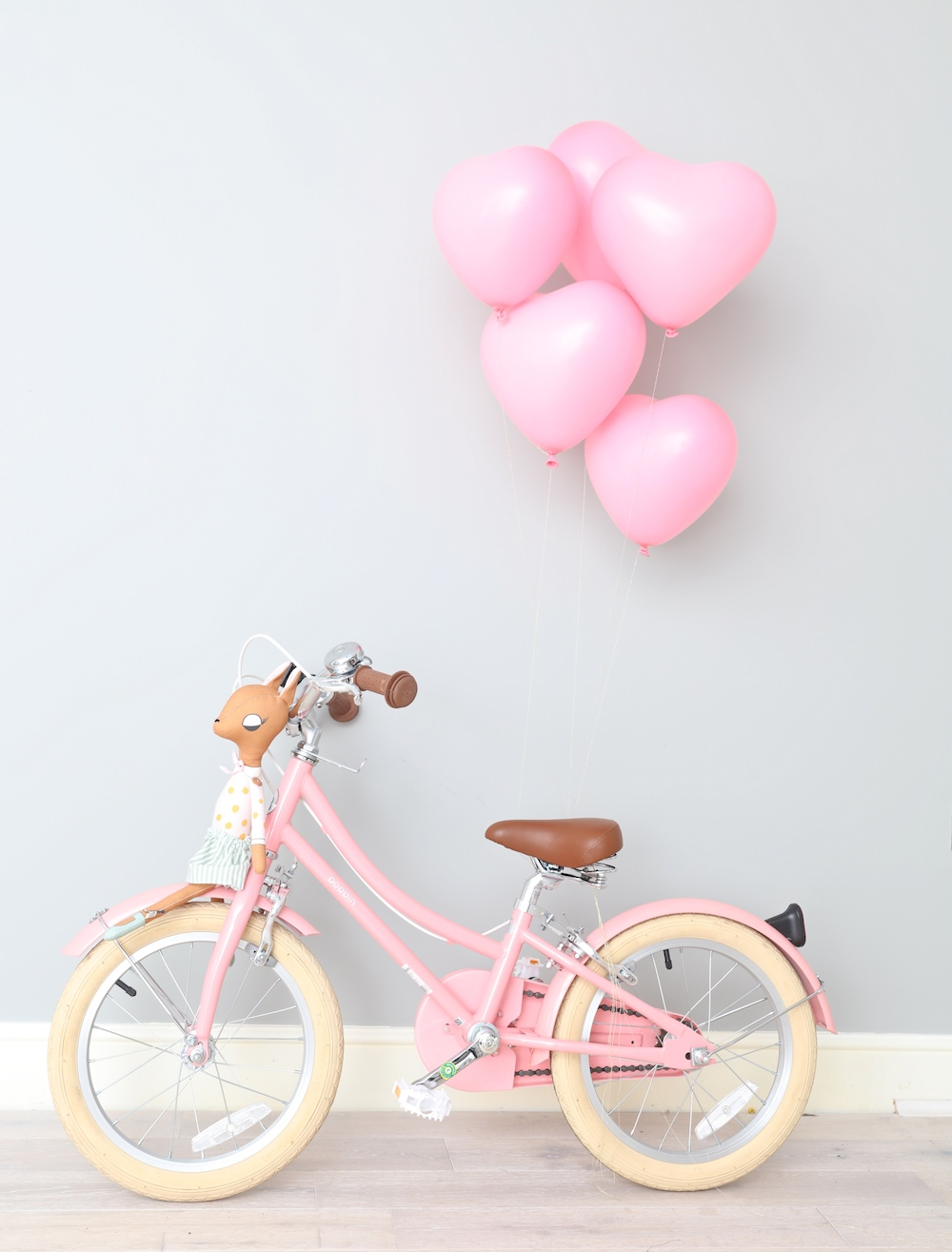 party-birthday_pink_bike_hearts_balloons_bobbin