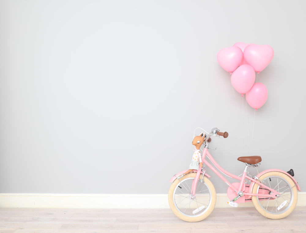 pink_bike_bobbon_heart_balloons_little_lulubel