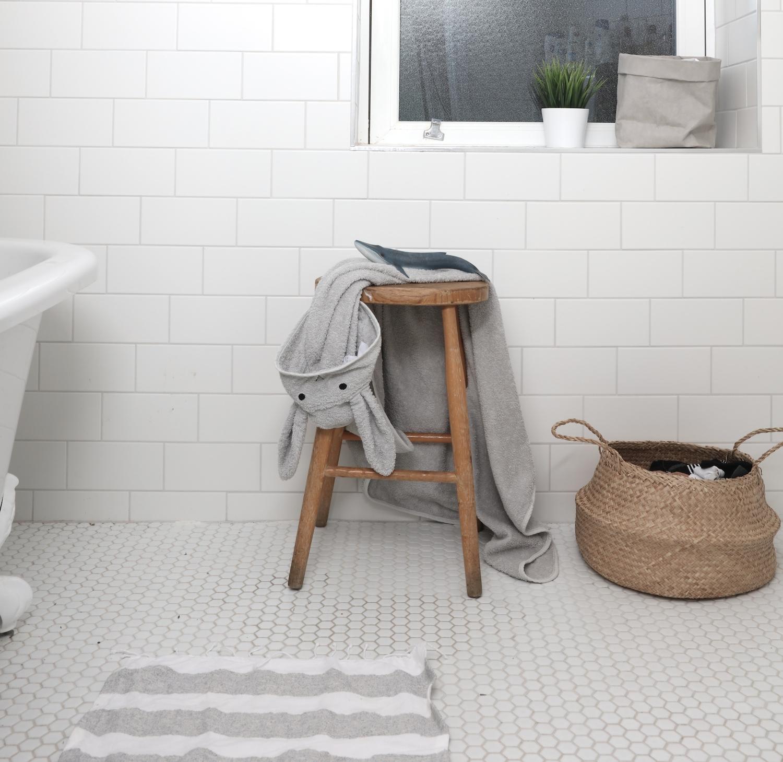 Scandiborn-towel_liewood_bunny_olliella_basket