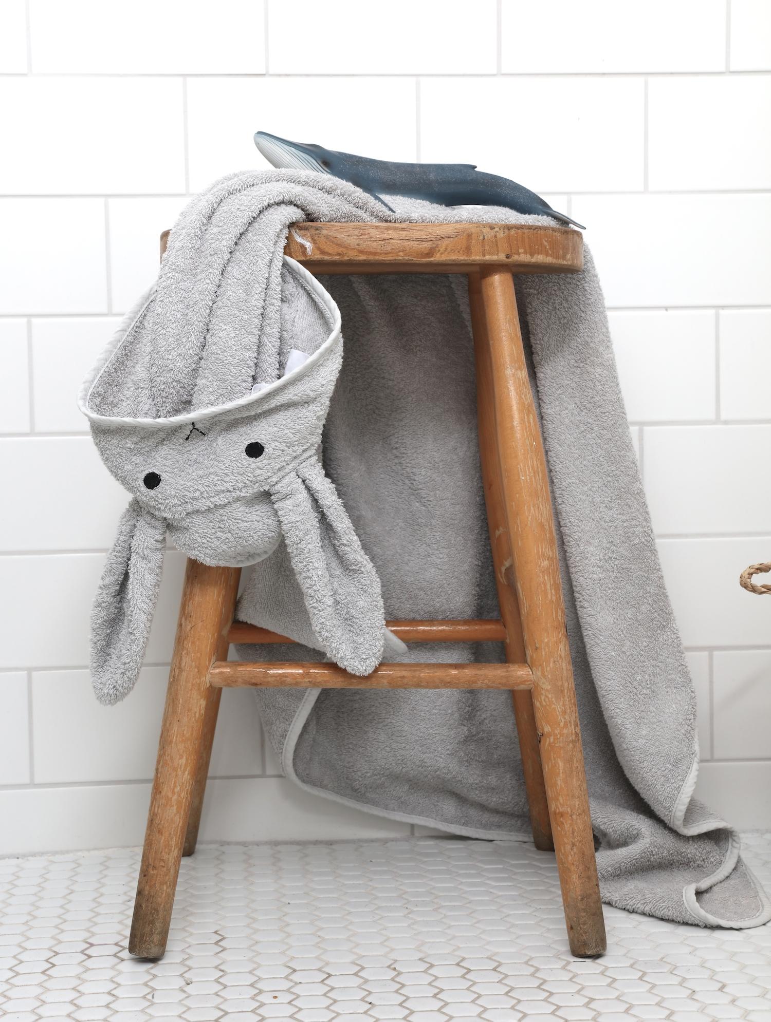 liewood_bunny_baby_towel_scandiborn