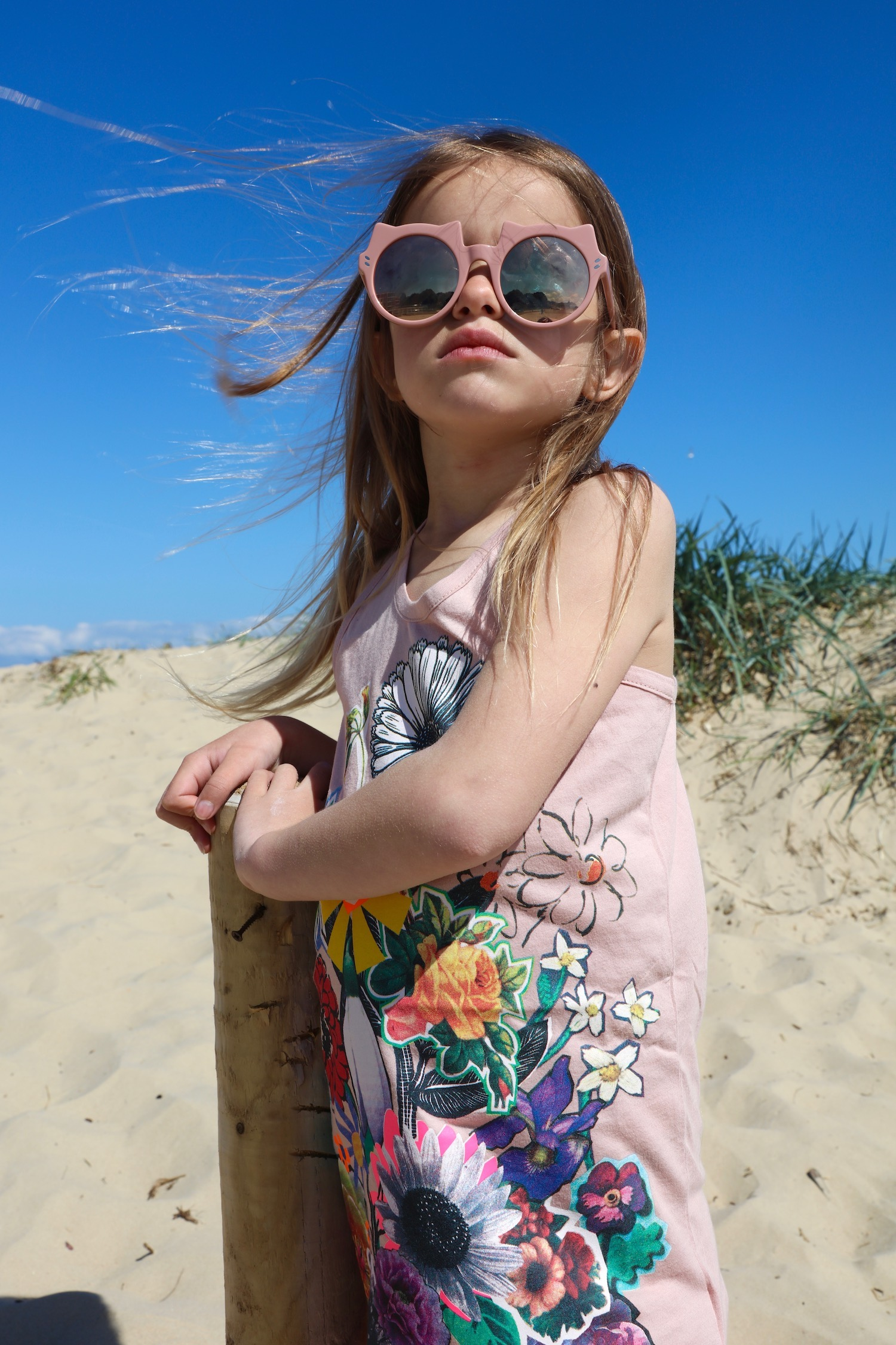 CHildrensalon_stella_mccartney_kids_cat_sunglasses_dress