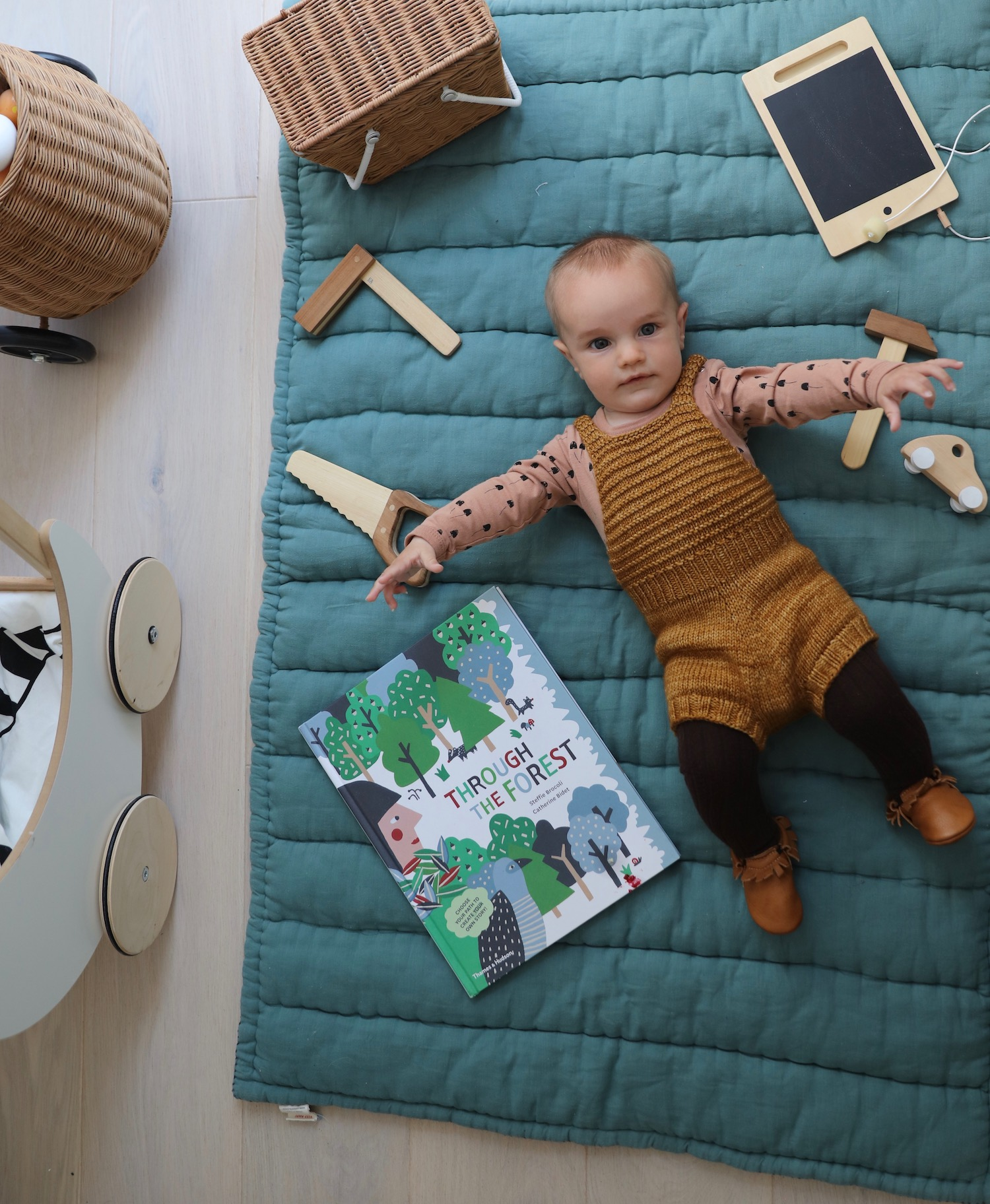 baby_knits_small_print_books_scandi_mini