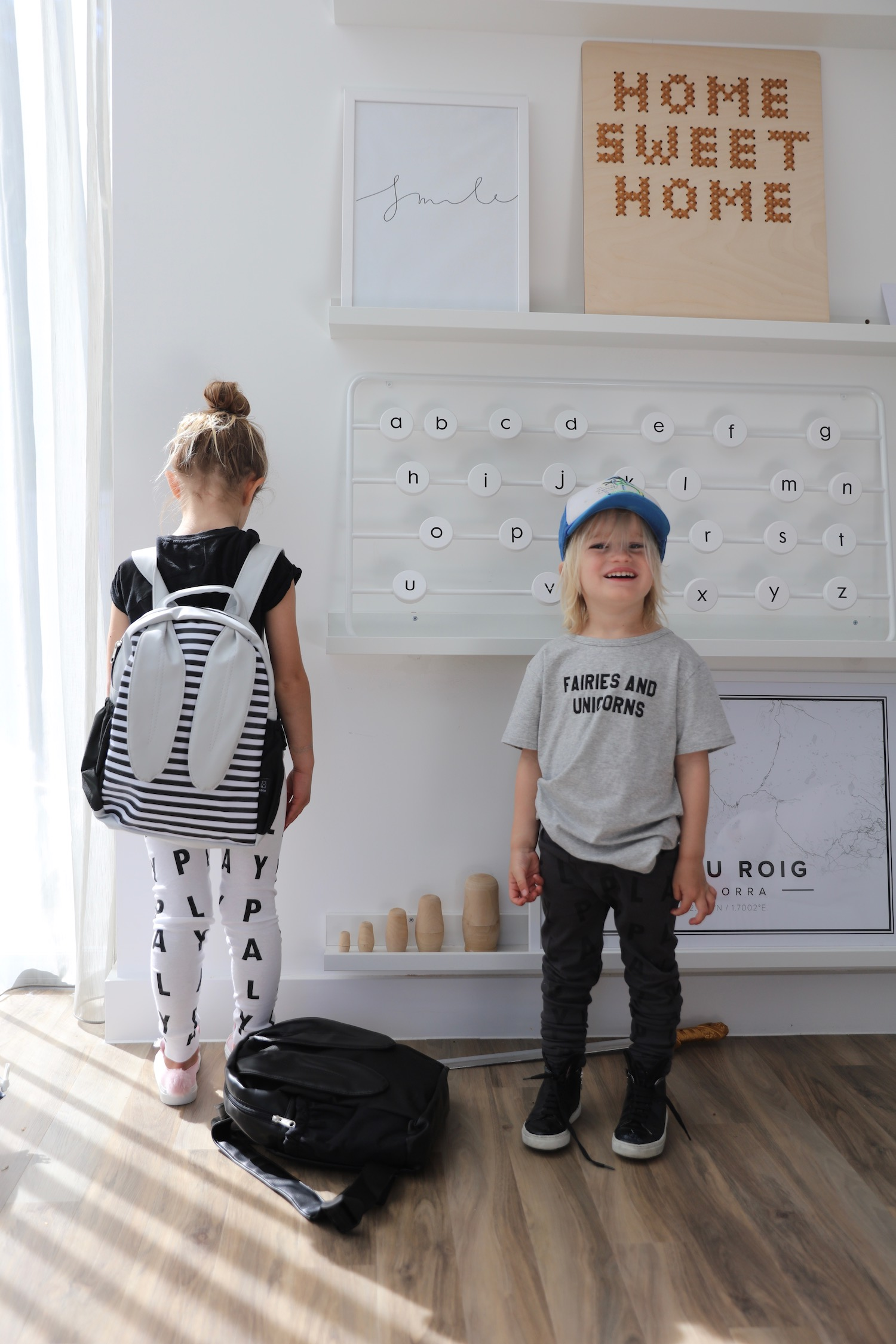 Toosh_kids_leggings_backpack_ears