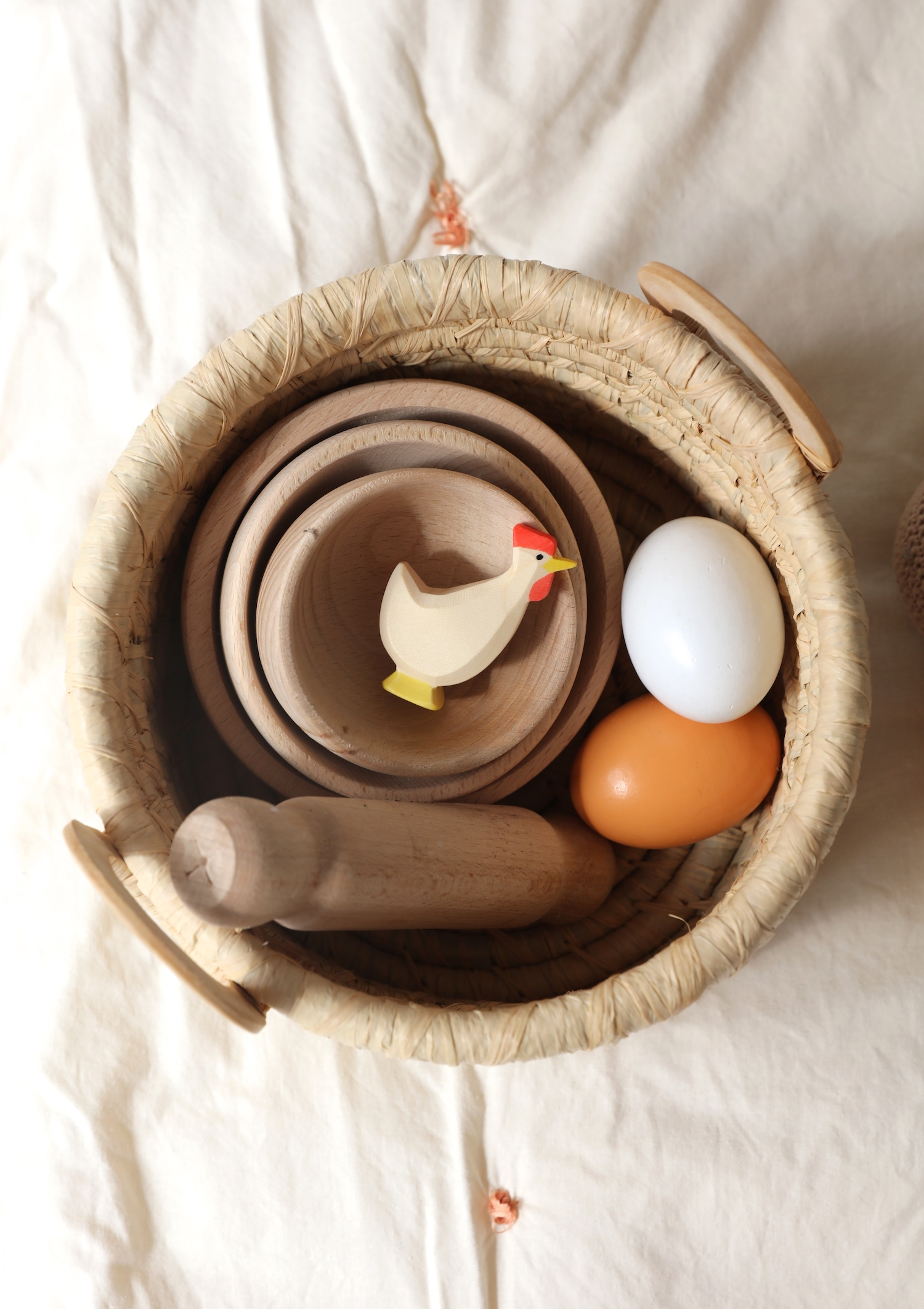happy_little_folk_stacking_wooden_bowls