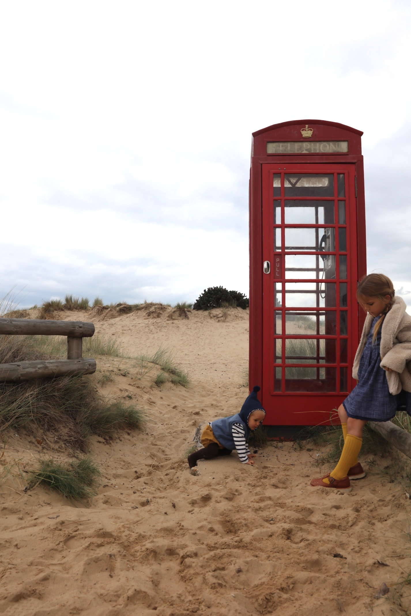 Little_cotton_clothes_telephone_box_vintage