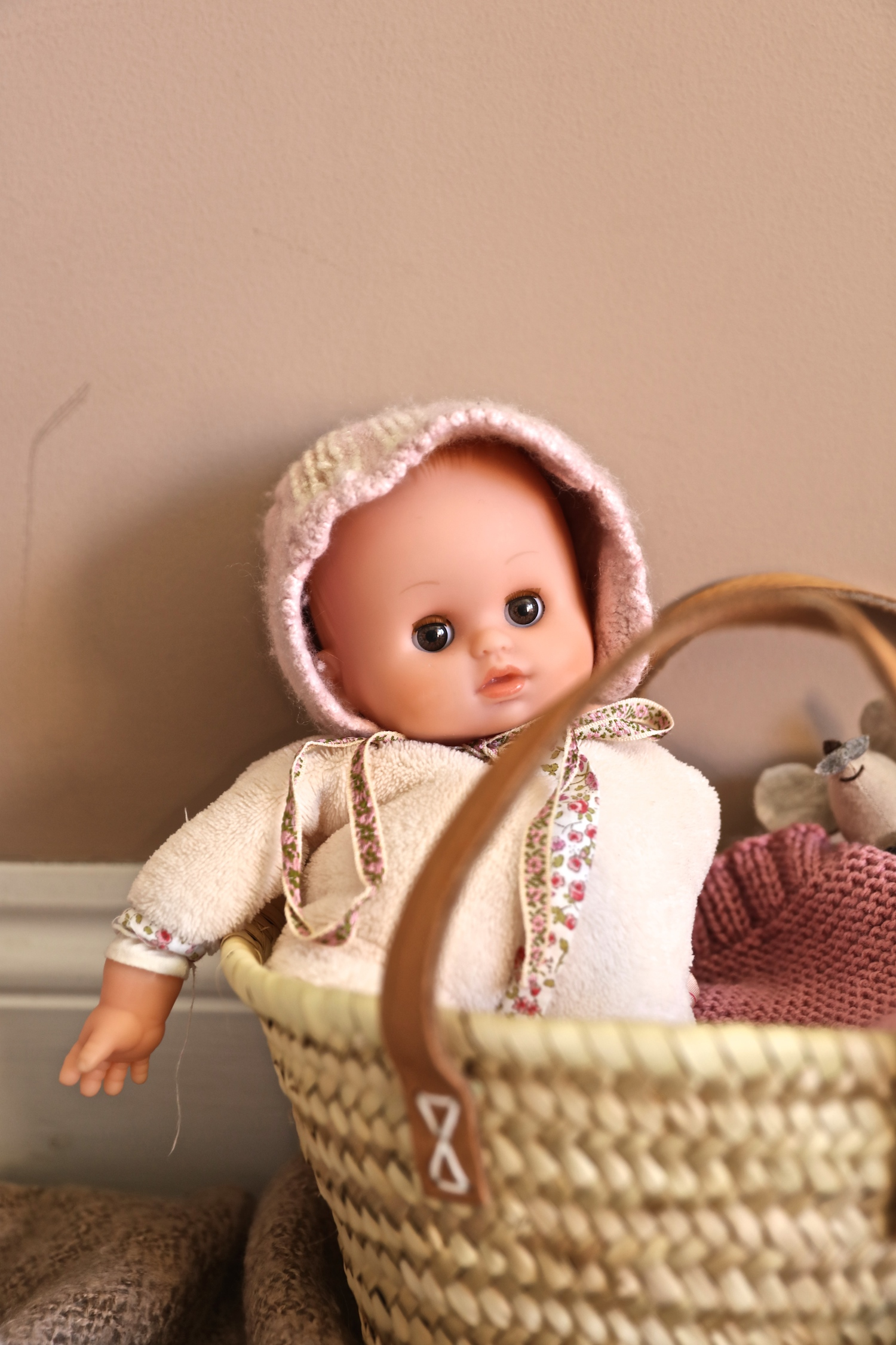 knitted_bonnet_doll