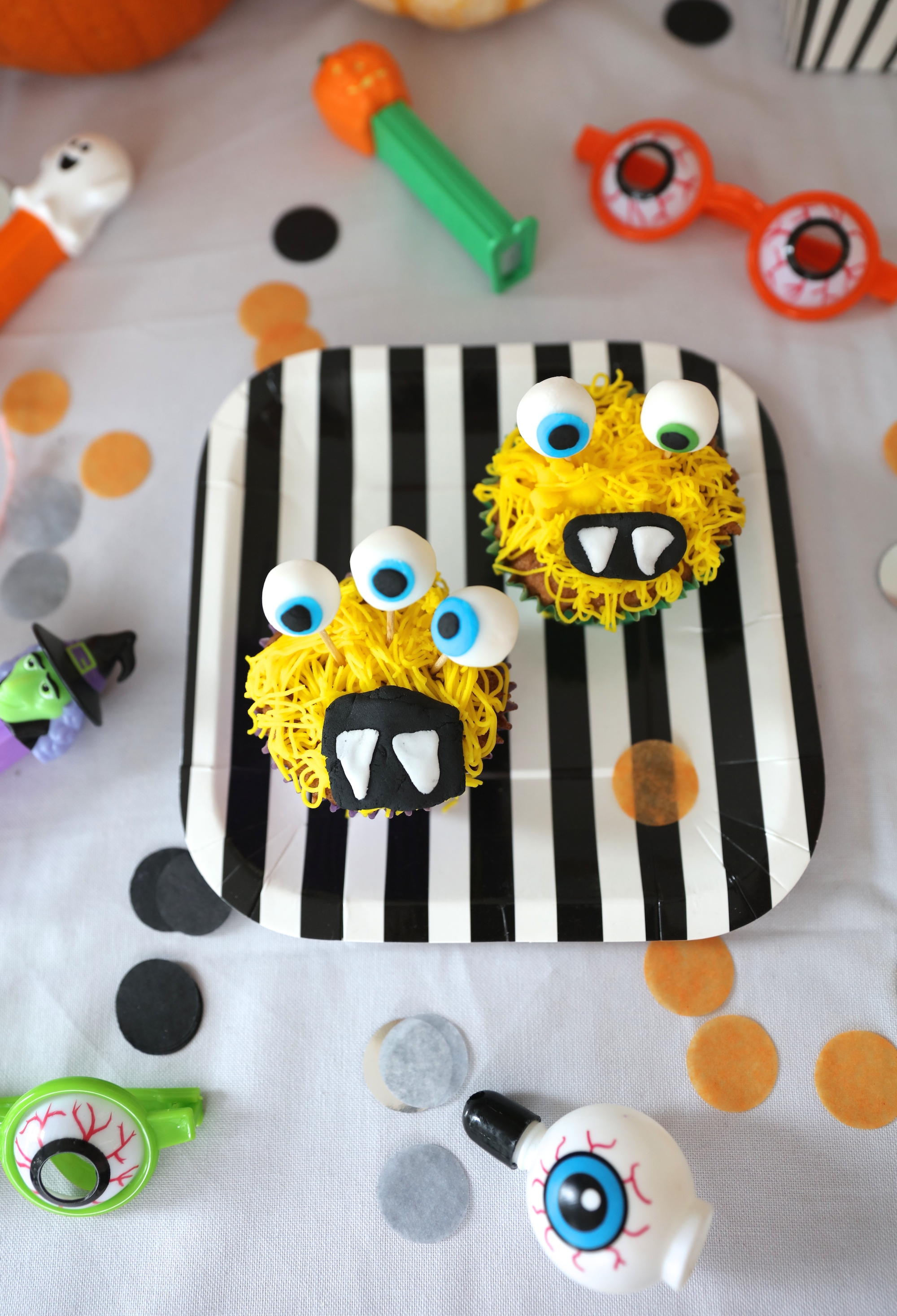 BKD_London_baking_monster_cupcakes_kit_kids