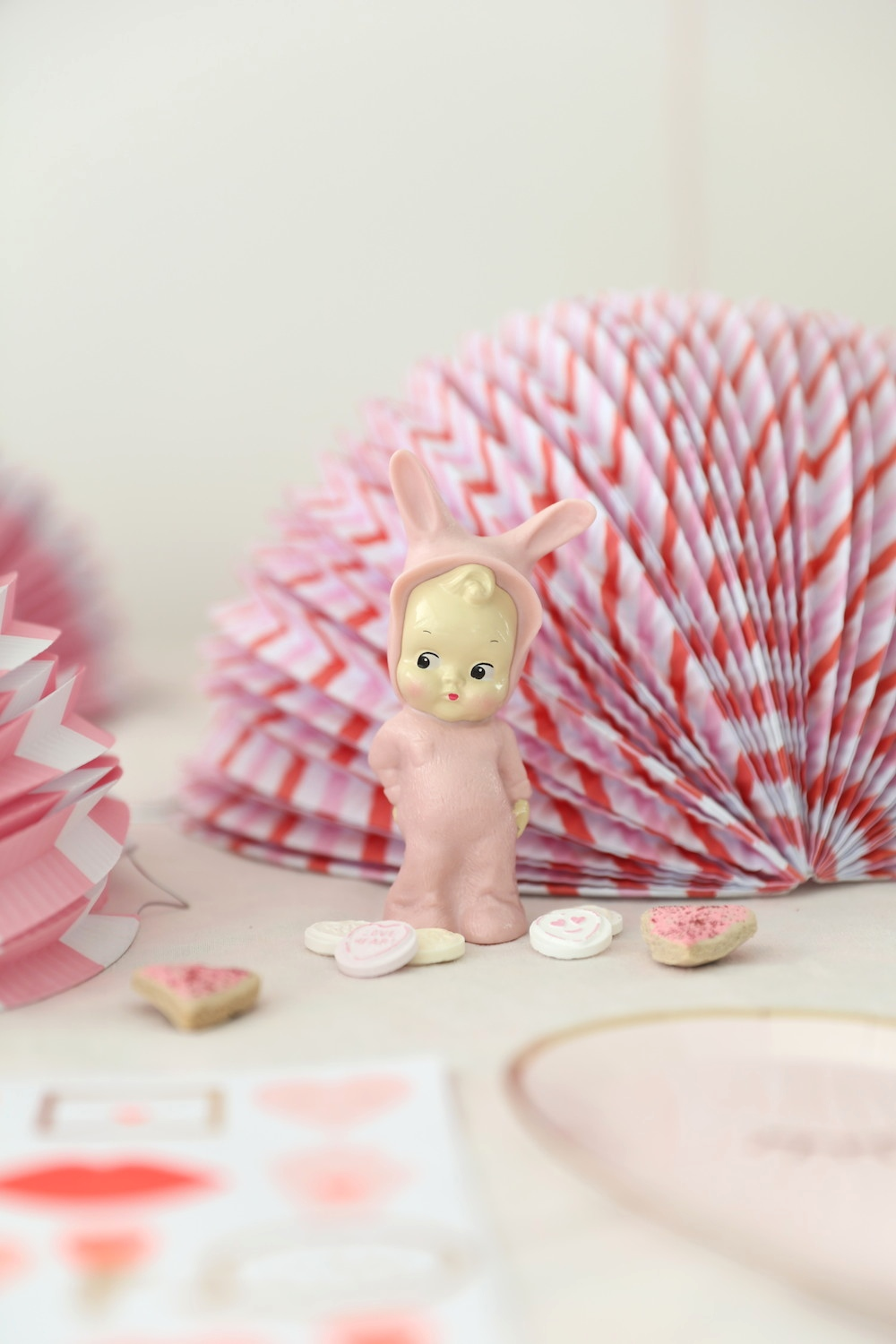 Lapin_and_me_baby_figure_pink_retro