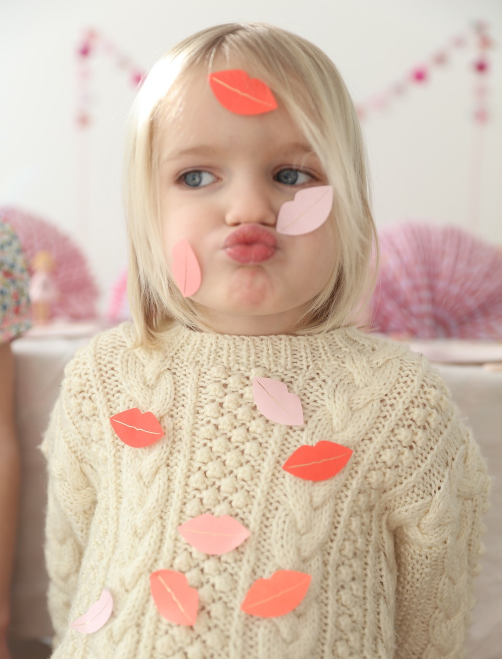 Lips_stickers_Valentines_party_meri_meri