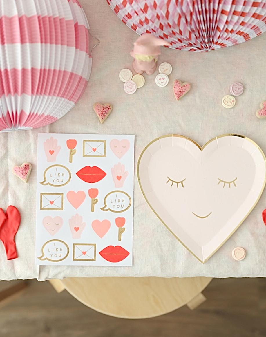 Valentines_party_mer-i_meri_hearts