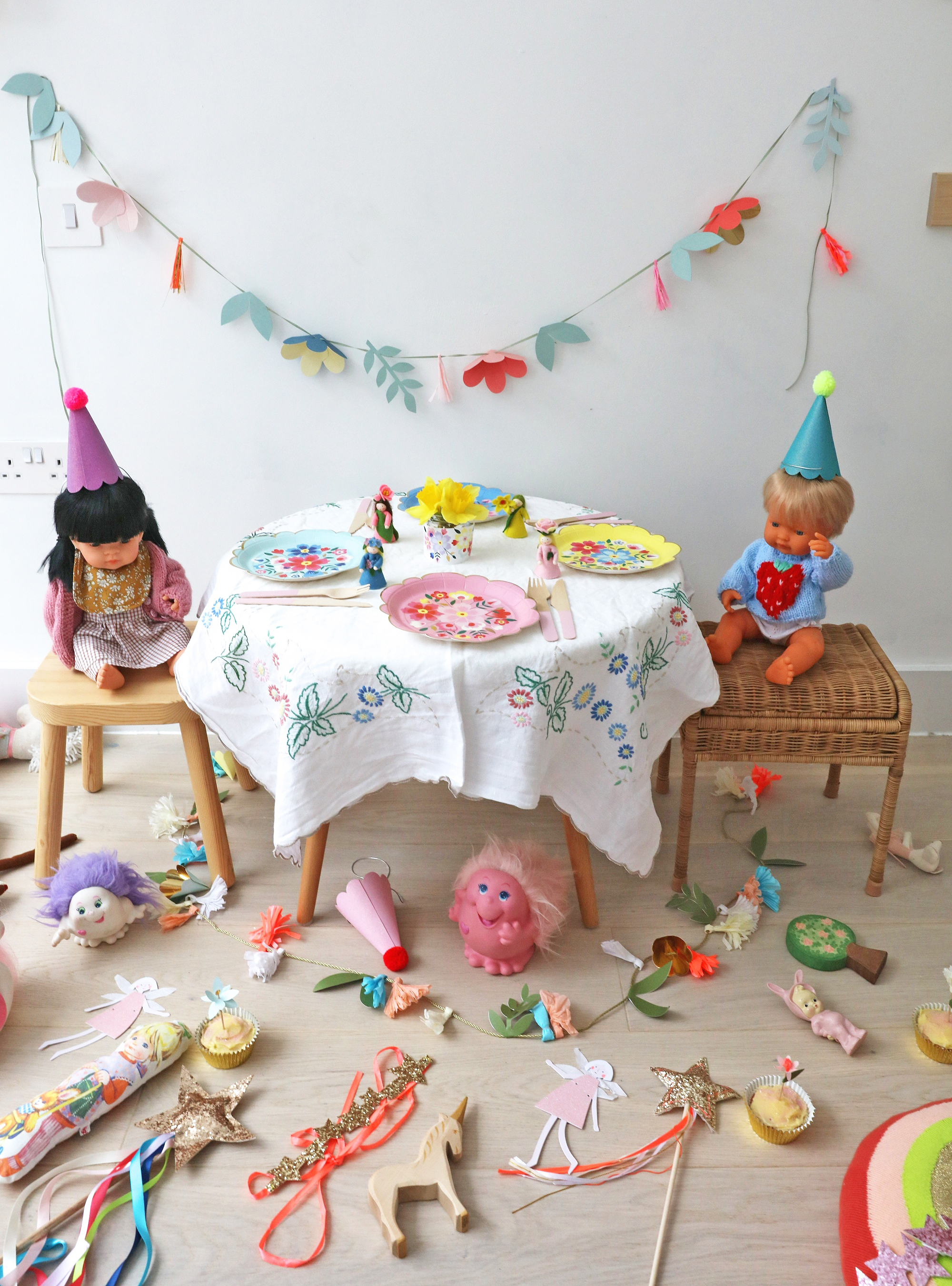 Meri_meri_party_flowers_dolls_tea