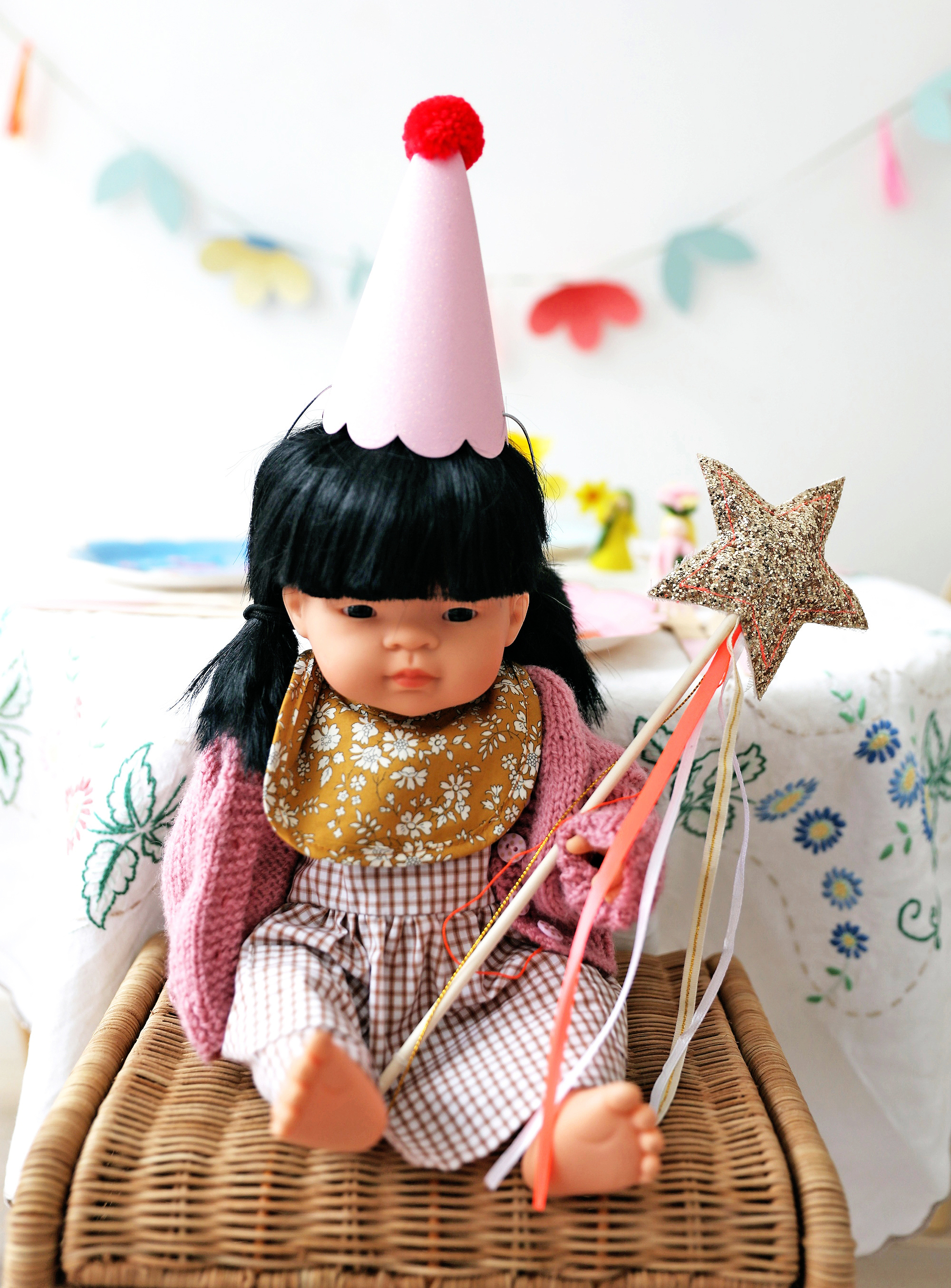 Miniland_Meri_meri_party_hats_wand
